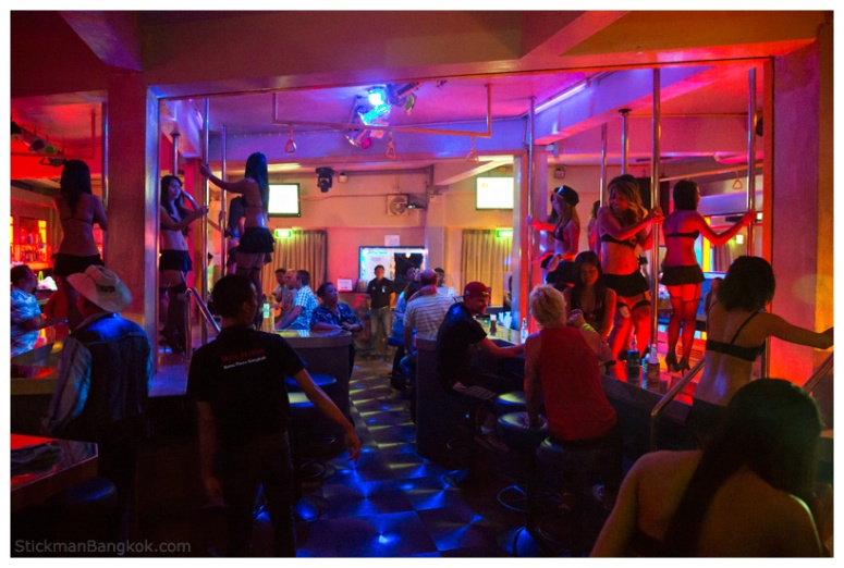 Pretty-Lady-Bar-Bangkok4