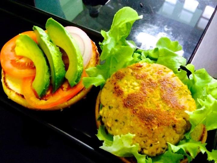เบอร์เกอร์เต้าหู้ ( Tofu Burger ) ลองทำกินดูที่บ้าน
